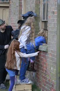 Dennis Richardson Horses Mouth Project 11th April 2015 (99)